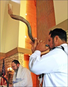Rabbi Frank Joseph and Fernando Russek (with shofar)